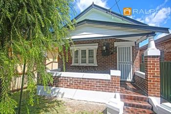 19 Farleigh St, Ashfield, NSW 2131