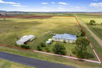 270 Blacksoil Lane, Upper Wheatvale, QLD 4370