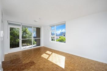 28/2 East Crescent St, Mcmahons Point, NSW 2060