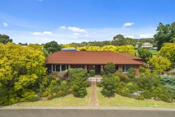 1 Cairns Dr, Darley, VIC 3340