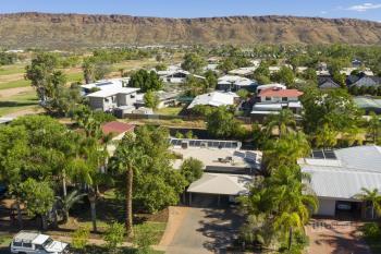 6 Cromwell Dr, Desert Springs, NT 0870