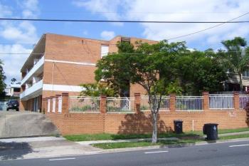 2/745 Logan Rd, Greenslopes, QLD 4120
