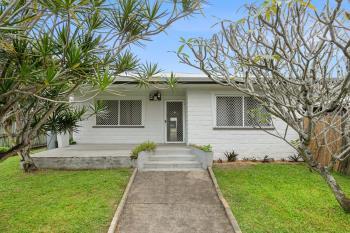 21 Chataway St, Mooroobool, QLD 4870