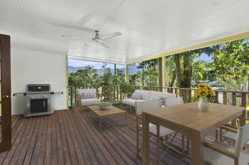 10 Chataway St, Mooroobool, QLD 4870