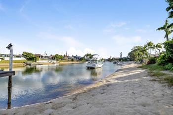 34 Bermuda St, Broadbeach Waters, QLD 4218