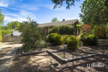 17 Maclaurin Cres, Chifley, ACT 2606