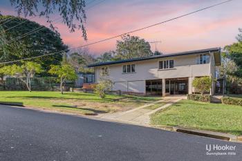 1 Flynn St, Holland Park West, QLD 4121