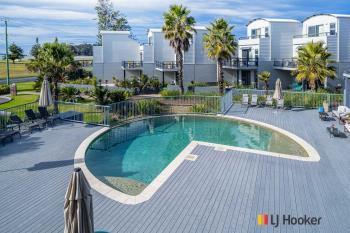 Unit 207/202-208 Beach Rd, Batehaven, NSW 2536