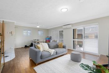 4/31 Middle St, Labrador, QLD 4215