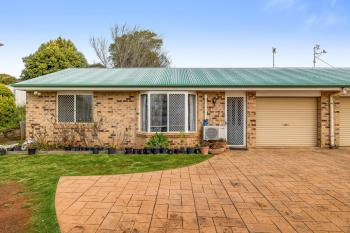 2/3 Quinlan Ct, Darling Heights, QLD 4350