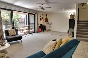 2/3 Bindaree Way, Ocean Shores, NSW 2483