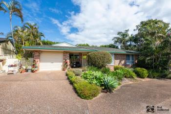 2/13 Russ Hammond Cl, Korora, NSW 2450