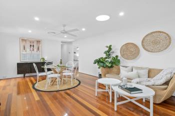 19 White Cedar Cl, Green Point, NSW 2251