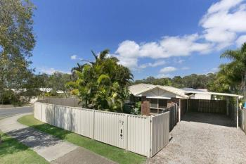 17 Poinciana Ave, Victoria Point, QLD 4165