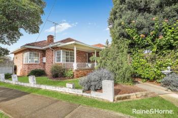 90 Monaro Ave, Kingsgrove, NSW 2208
