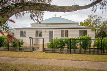36 Heeney St, Chinchilla, QLD 4413
