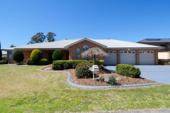 16 Thornton Ave, Lithgow, NSW 2790