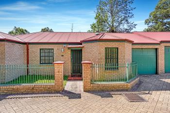 10/27 Ballandella Rd, Toongabbie, NSW 2146