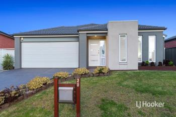 20 Waterhaven Bvd, Point Cook, VIC 3030
