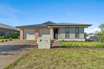 2 Rosemary St, Fern Bay, NSW 2295