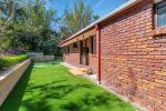 18 Bronzewing Cl, Elanora, QLD 4221