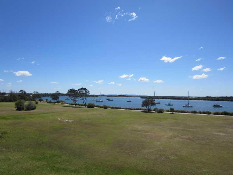 5 8 bent st yamba nsw 2464 other sold march 2012 for Pool builders yamba