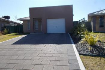 28A Dalbeattie Cres, Dubbo, NSW 2830