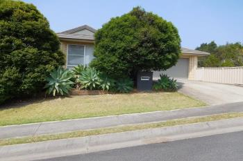 9 Admiralty Dr, Safety Beach, NSW 2456